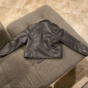 UNIF Jackets & Coats - UNIF cropped faux leather motorcycle jacket🖤